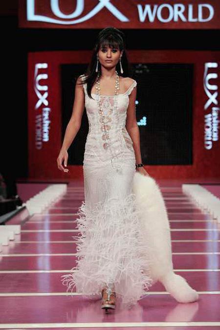 صور فساتين تصميم هانى البحيرى 2017, احدث تصميمات هانى البحيرى لفساتين السهرة 2017, Dresses design new_1451579492_763.j