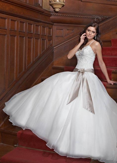 فساتين زفاف رائعه لكل عروس new_1453384482_207.j